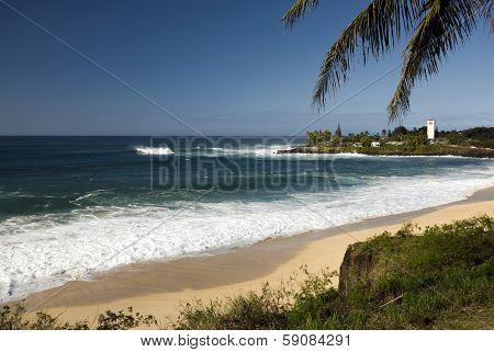 Large surf at Waimea bay on the North Shore of O'ahu, Hawaii