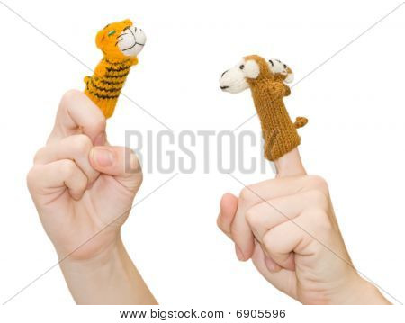 Finger-type theatre with puppets