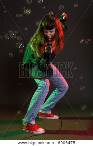 Woman Screaming In Mike