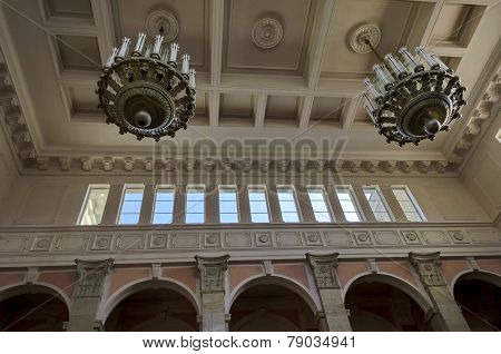 Top part of railway hall of Ruse station