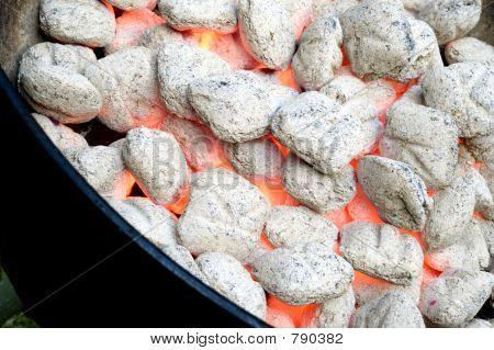 Flaming barbacoa de carbón