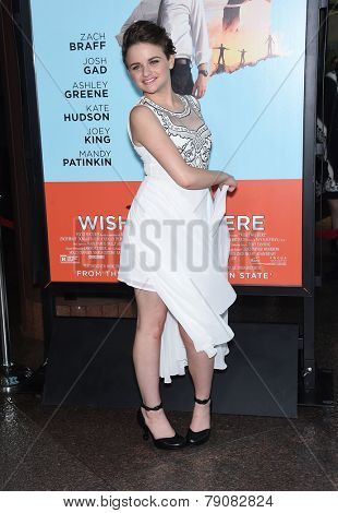 LOS ANGELES - JUN 23:  Joey King arrives to the