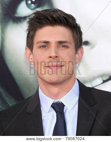 LOS ANGELES - MAR 12:  Chris Lowell arrives to the
