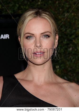 LOS ANGELES - DEC 15:  CHARLIZE THERON arrives to the