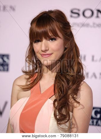 LOS ANGELES - FEB 06:  BELLA THORNE arrives to the 'The Vow' World Premiere  on February 06, 2012 in Hollywood, CA