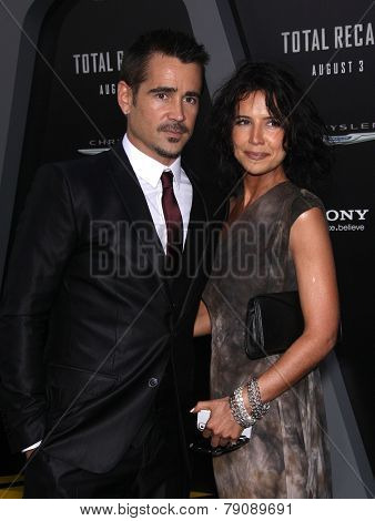 LOS ANGELES - AUG 01:  Colin Farrell & Sister arrives to