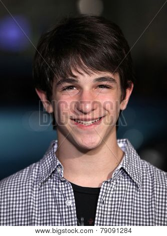 LOS ANGELES - FEB 08:  ZACHARY GORDON arrives to the