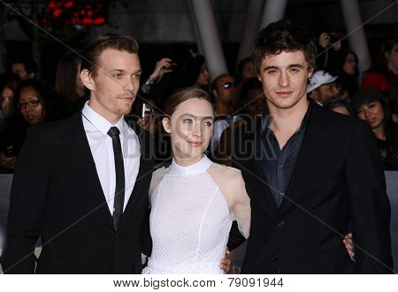 LOS ANGELES - NOV 11:  Jake Abel, Saoirse Ronan & Max Irons arrives to the