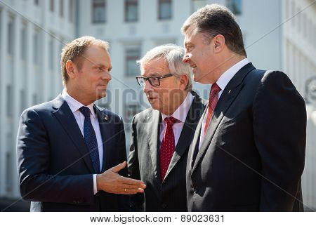 Donald Tusk, Jean-claude Juncker And Petro Poroshenko
