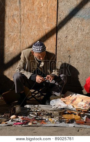 Undentified street vendor, Istanbul, Turkey.
