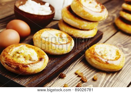 Patties With Cottage Cheese And Raisins