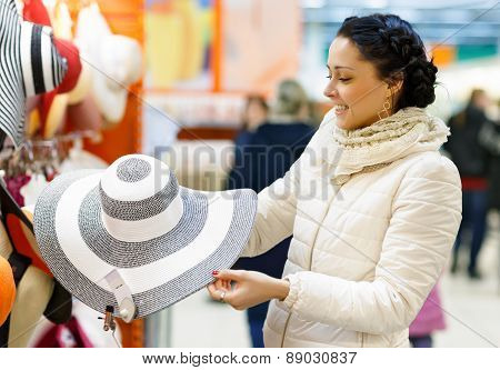 Beauty Woman in Shopping Mall