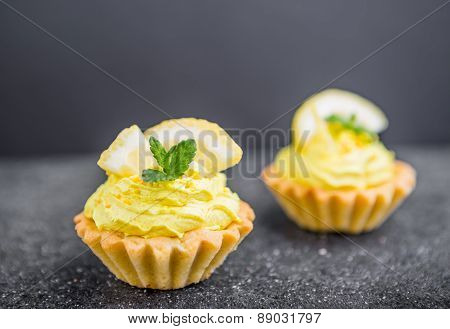 Small Biscuits With Lemon And Sweet Cream