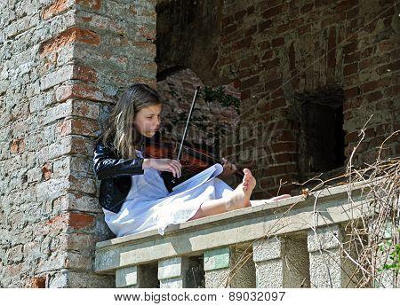 Small violinis