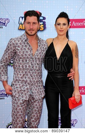 LOS ANGELES - APR 25:  Valentin Chmerkovskiy, Rumer Willis at the Radio DIsney Music Awards 2015 at the Nokia Theater on April 25, 2015 in Los Angeles, CA