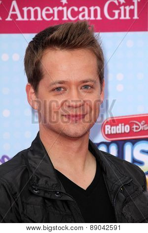LOS ANGELES - APR 25:  Jason Earles at the Radio DIsney Music Awards 2015 at the Nokia Theater on April 25, 2015 in Los Angeles, CA