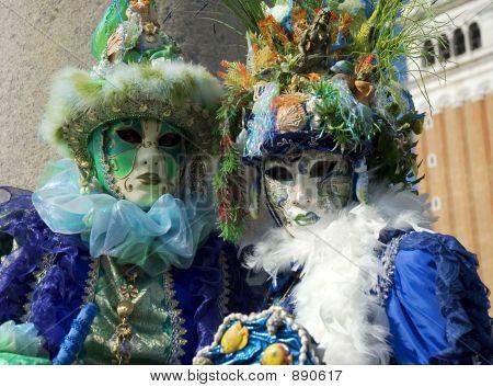 Venice Seashell Couple
