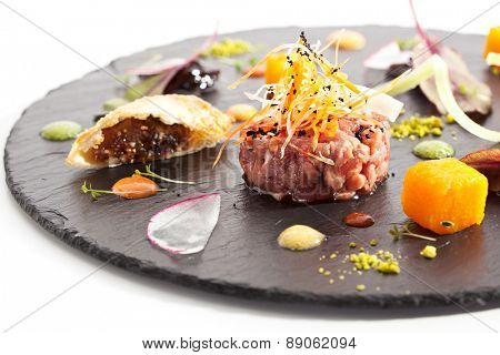Beef Tartare with Various Dip and Vegetables
