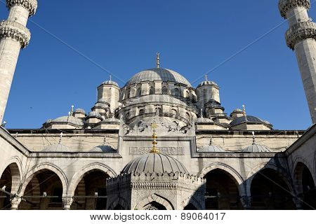 New Mosque, Istanbul, Turkey.