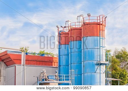 Silos For The Production Of Cement