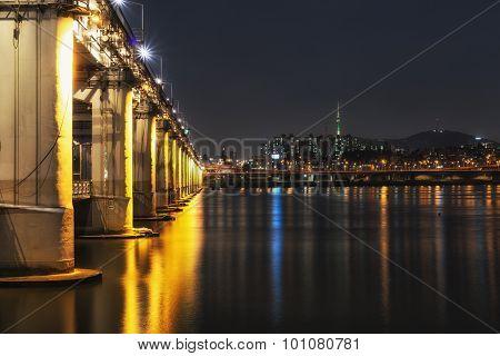 Banpo Bridge Rainbow Fountain