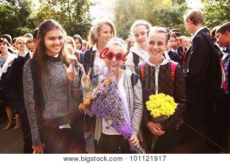 Girls  Celebrate Their First School Day September Moscow.