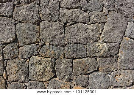 Vulcanic Stone Wall