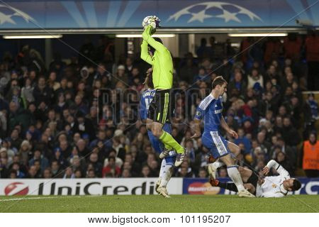 LONDON, ENGLAND. 06 DECEMBER 2011. Chelsea's Czech Goalkeeper Petr Cech in action during the UEFA Champions League match between Chelsea and Valencia from Spain, played at Stamford Bridge.