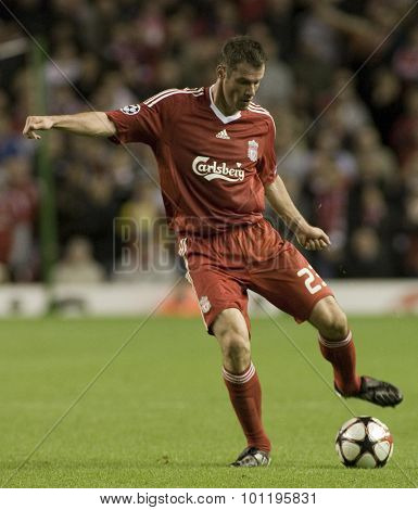 LIVERPOOL ENGLAND. 16 SEPTEMBER 2009. Jamie Carragher playing in the Champions League Group E, match between Liverpool FC and Debreceni VSC at Anfield.