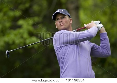 WENTWORTH, ENGLAND. 22 MAY 2009.Robert Karlsson (SWE) playing in the 2nd round of the European Tour BMW PGA Championship.
