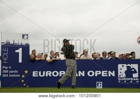KENT ENGLAND, 27 MAY 2009. Angel CABRERA (ARG) teeing off on the first tee playing in the first round of the European Tour European Open golf tournament.