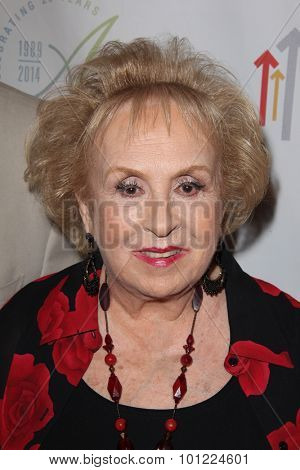 LOS ANGELES - SEP 9:  Doris Roberts at the Farrah Fawcett Foundation Presents 1st Annual Tex-Mex Fiesta at the Wallis Annenberg Center for the Performing Arts on September 9, 2015 in Beverly Hills, CA