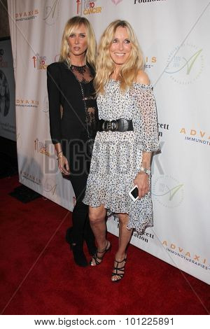 LOS ANGELES - SEP 9:  Kimberly Stewart, Alana Stewart at the Farrah Fawcett Foundation Fiesta at the Wallis Annenberg Center on September 9, 2015 in Beverly Hills, CA