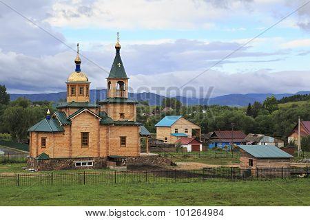 Wooden church in the village Starobelokuriha.
