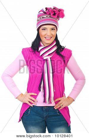 Roupa de malha modelo atraente mulher cor de rosa