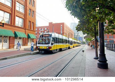 Dart Train To Dwf In Dallas, Texas