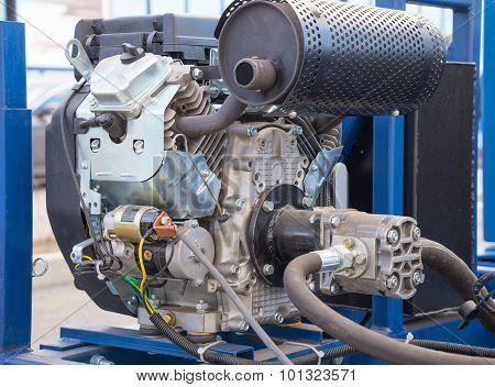engine of construction lifting platform