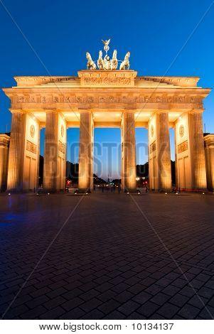 Brandenburger Tor On Edge