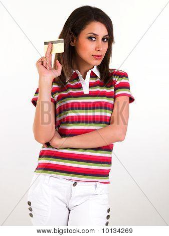 Adolescente con la tarjeta de crédito