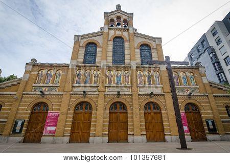 Chapelle Notre-Dame de la Cite Paroissiale in Paris