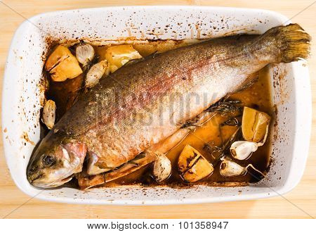 Baked Trout With Garlic