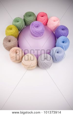 Colorful composition of a yarn