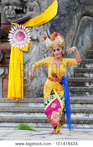 Balinese Women Traditional Dance