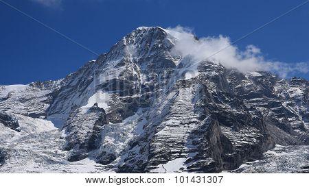 Majestic Mountain Monch