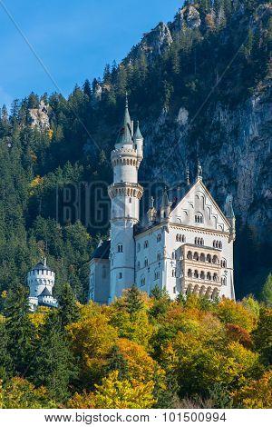 Beautiful autumn view of the Neuschwanstein castle Bavaria, Germany