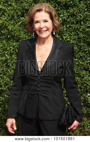 LOS ANGELES - SEP 12:  Jessica Walter at the Primetime Creative Emmy Awards Arrivals at the Microsoft Theater on September 12, 2015 in Los Angeles, CA