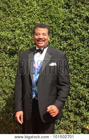 vLOS ANGELES - SEP 12:  Neil deGrasse Tyson at the Primetime Creative Emmy Awards Arrivals at the Microsoft Theater on September 12, 2015 in Los Angeles, CA
