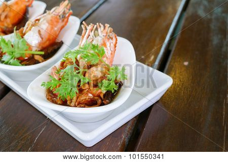 Fried Shrimp With Parsley And Fried Shallot