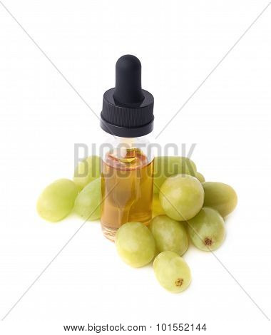 Grape seed oil essence composition isolated