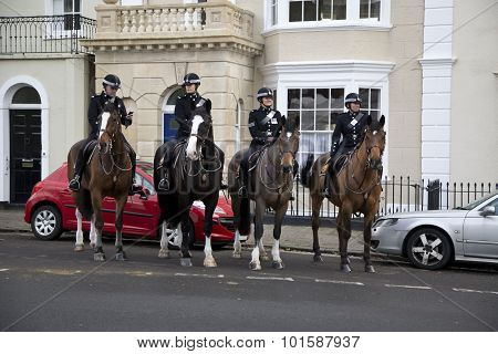 Bristol, Uk - Dec 18: Mounted Police in Bristol city On Dec 18 2014 In Bristol, Uk